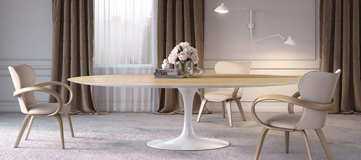 Большой кухонный стол в интерьере светлой столовой