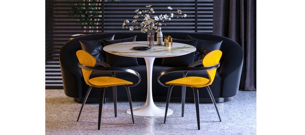 Желтые дизайнерские стулья в интерьере темной гостиной