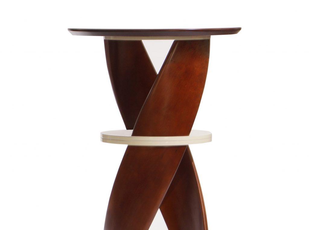 Барный стол из массива