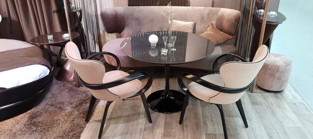 Круглый мраморный стол для кухни