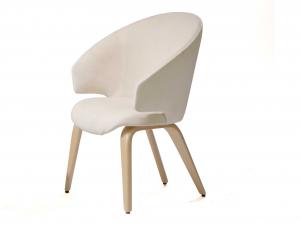 Деревянные стулья для гостиной